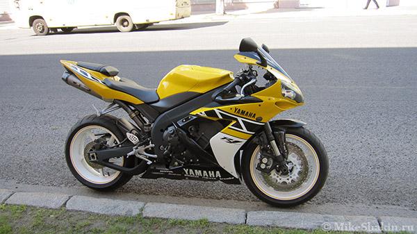 Супербайк Yamaha